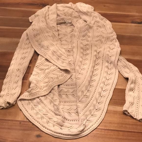 7b59790c2f5 CAbi Sweaters - CAbi circle sweater